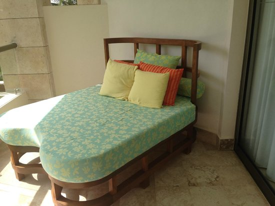 Excellence Playa Mujeres : Balcony Bed - So Comfy
