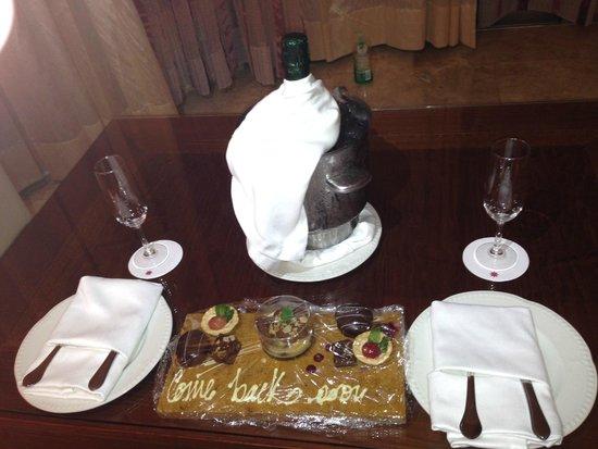 Excellence Playa Mujeres: Personalised Dessert