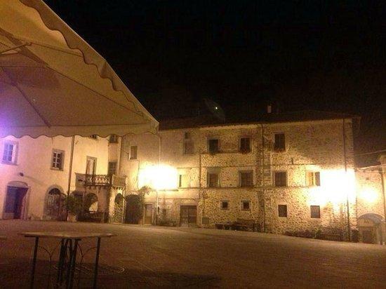 Alla Piazza di Sopra: la notte in piazza