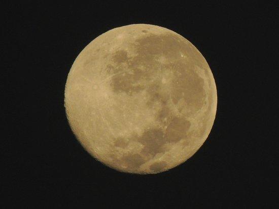 Mwangaza Hideaway: Full moon at Mwangaza