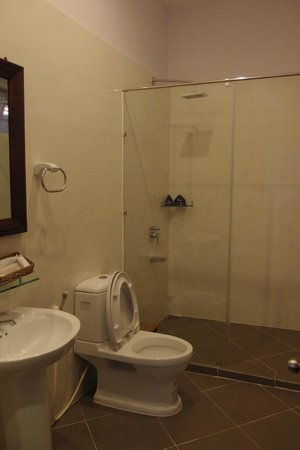 Terrace Phu Quoc Resort: Badezimmer