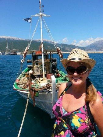Kalafatis: Lovely setting on harbour front