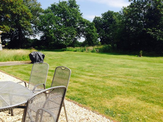 Ranvilles Farmhouse B&B and Self-Catering: The garden (part of)
