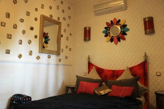 Riad Asrari: La chambre