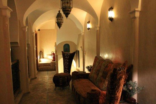 Riad Asrari : Le premier étage