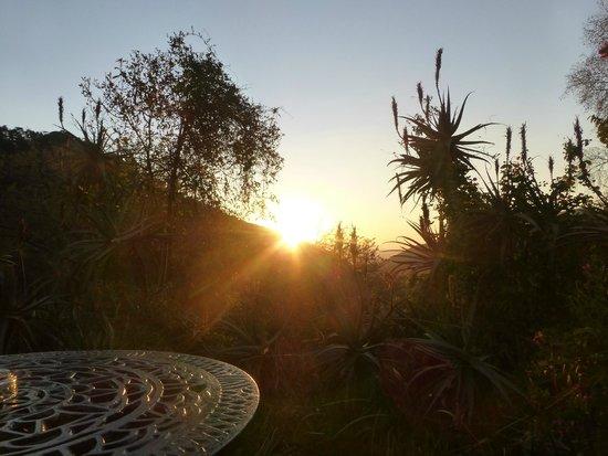 Cavern Drakensberg Resort & Spa: Sunset from our room's terrace