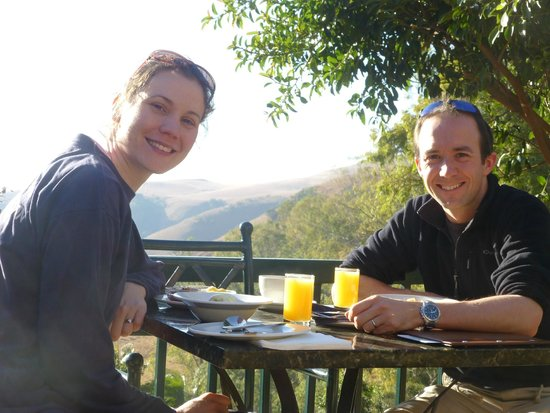 Cavern Drakensberg Resort & Spa : Breakfast on the terrace