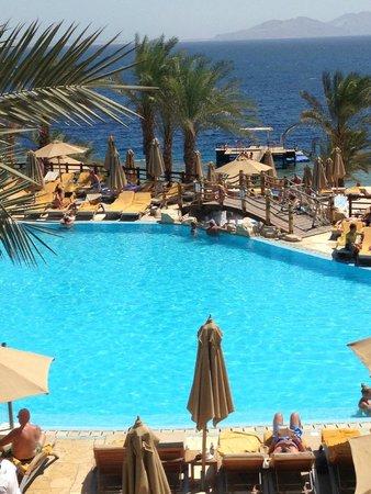 Xperience Sea Breeze Resort: swim up pool bar