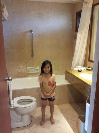 Holiday Inn Resort Batam: Bathroom