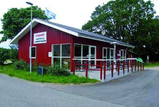 hadsund men Rasmine åbnede i september 2001 på torvet i hadsund  men som vil gøre det på sin egen måde kom ind til ulla.