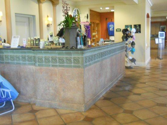 Hilton Garden Inn Carlsbad Beach: チェックインフロント
