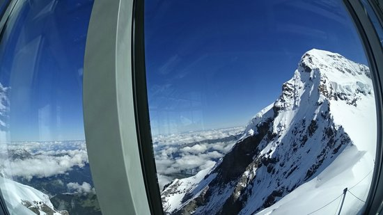 Jungfraujoch : The Alps in the sun