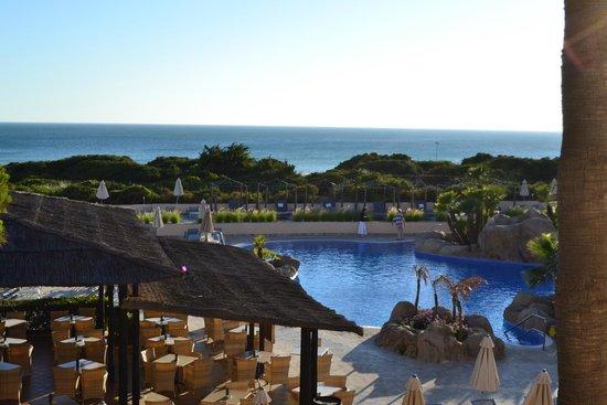 TUI SENSIMAR Playa la Barrosa: Perspectiva piscina y playa