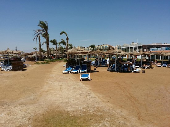 Panorama Bungalows Aqua Park Hurghada: Beach is lovely