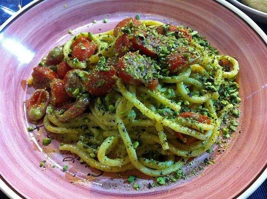 Sicilia in Tavola : pistachio pasta
