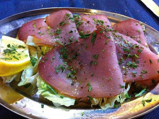 Sicilia in Tavola : smokes tuna