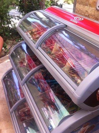 Voyage Belek Golf & Spa : ice cream freezer
