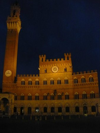 Torre del Mangia: By Night