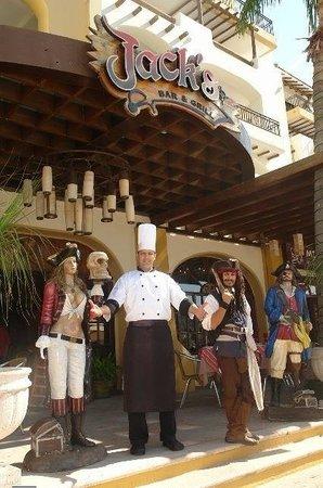 Marina Fiesta Resort & Spa: Chef Rodrigo y el jack