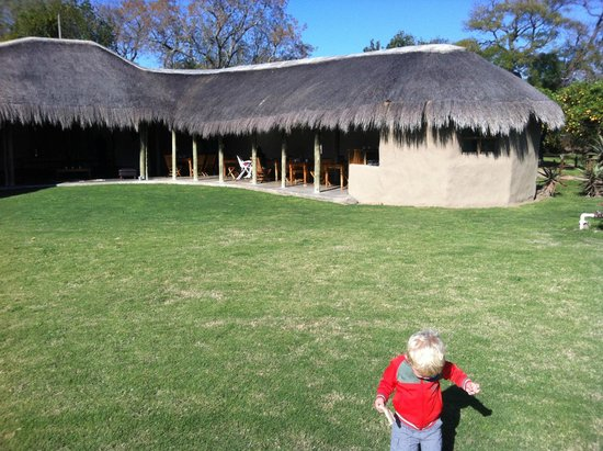 Chrislin African Lodge : The breakfast and dinner hut