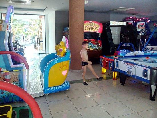 Caretta Beach Hotel: luna park