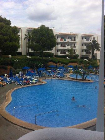 Inturotel Esmeralda Park: pool view from room 106 block M