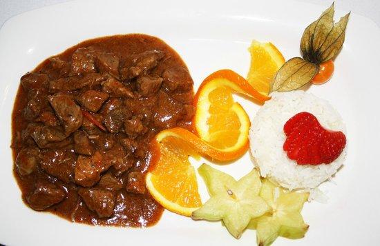 Restaurante HPC Portocolom: Ternera al curry Thai con arroz basmati