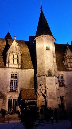 Château de Châteauneuf-en-Auxois: Visite nocturne du château.