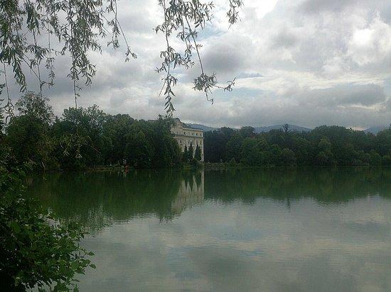 Freibad Leopoldskron: Salzburg - Leopoldskronerweiher - liegt ausserhalb des Freibades