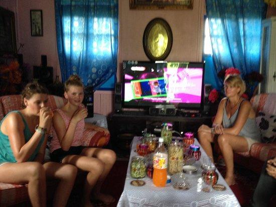 Paradesa Borneo: Invited in private home - nice !!