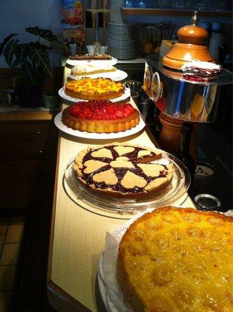 Pyramidencafe : Alcune delle torte tra cui scegliere