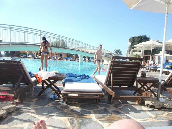 Bella Beach Hotel : pool