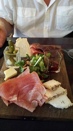 O Chateau - Wine Tasting: Underbart god mixed platter