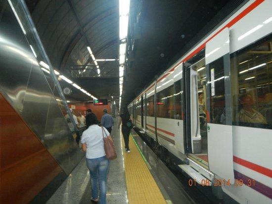 Estacion de Renfe de Sol: El Tren de Parla.
