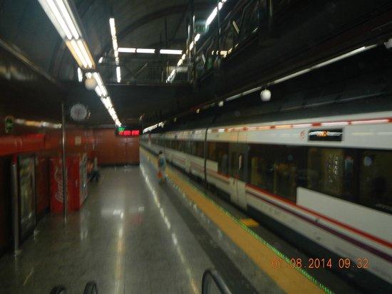 Estacion de Renfe de Sol: Tren.