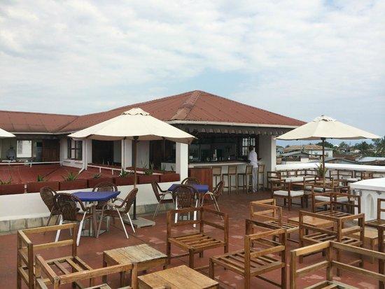 Maru Maru Hotel: Rooftop dining