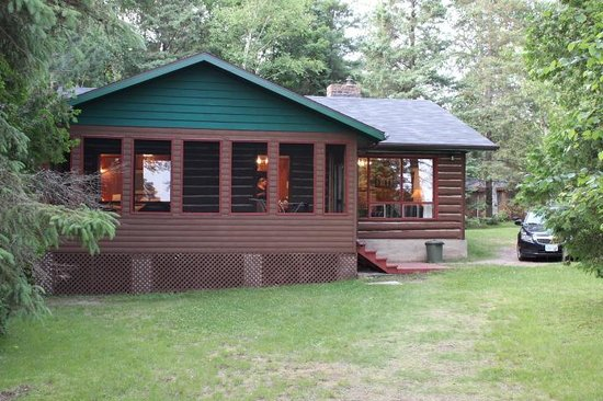 Hay Lake Lodge and Cottages: Cabin 5- our home for a week