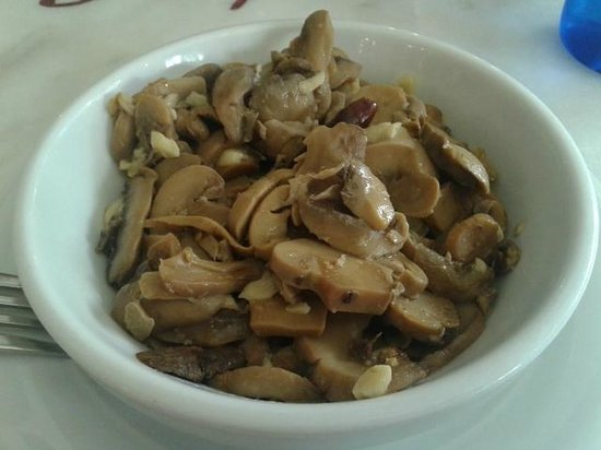 Bodega Taberna Rafae : Menú del día - Champiñones al ajillo