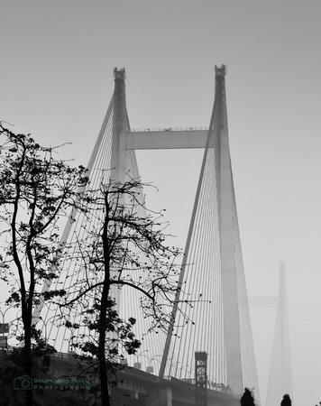 Second Hooghly Bridge: Foggy morning