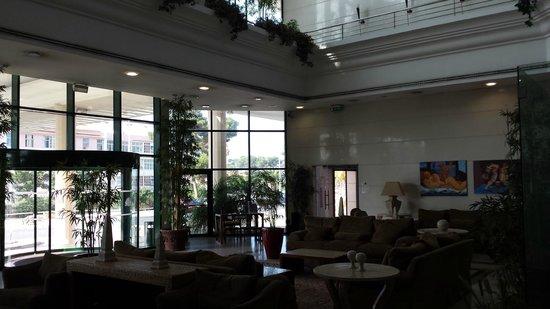 Riviera Hotel Carcavelos: Hall d'entrée
