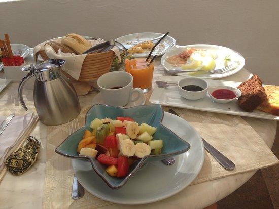 Petra Hotel & Suites : breakfast