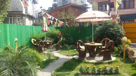 Elbrus Home : garden
