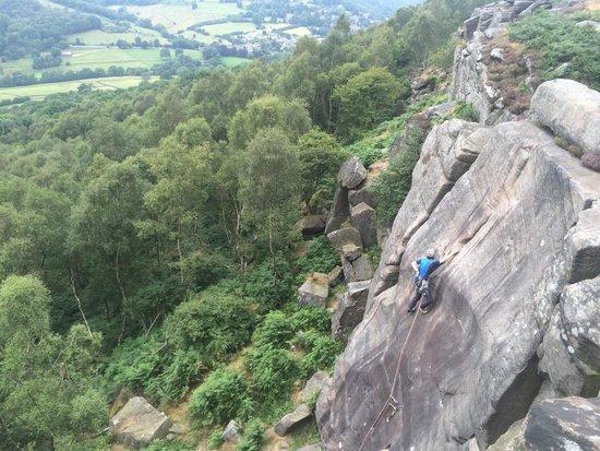 Peak Mountaineering Day Tours: Froggatt Edge climbing