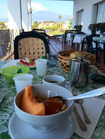 Hotel Orpheus: Breakfast table.