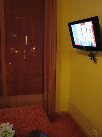 Hotel Bern: iin myyy room...