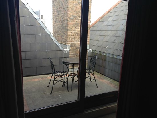 PREMIER SUITES PLUS Dublin Leeson Street: Little Balcony Area