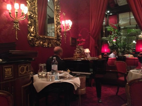 Restaurant Rote Bar: Sala