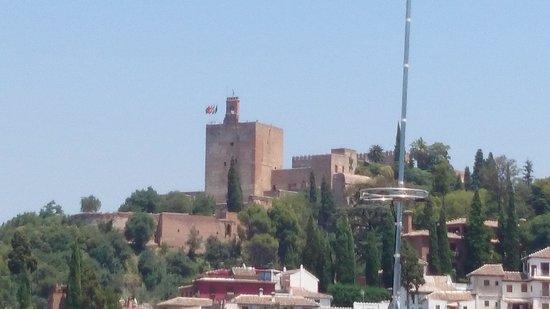 Melia Granada: Blick zum Alhambra vom Balkon