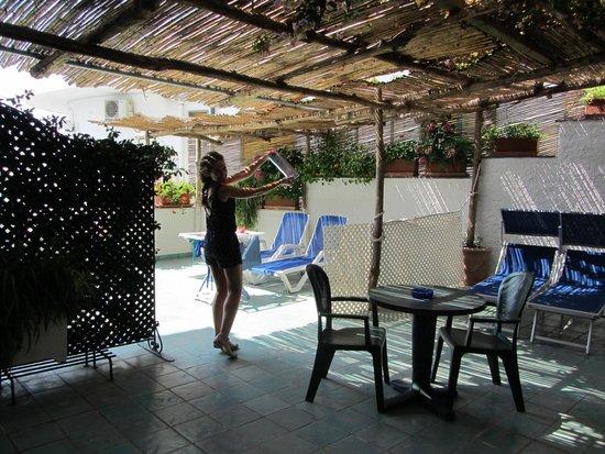 Hotel Bellevue Suites: Terraza de nuestras dos habitaciones comunicadas