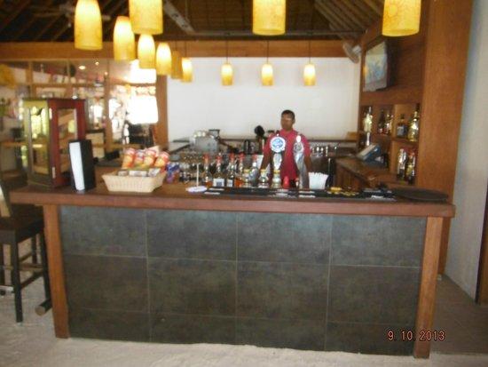 Vilamendhoo Island Resort & Spa: Бар
